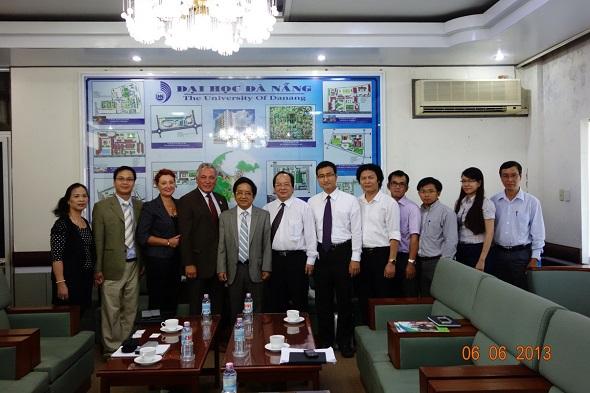Ảnh Đại học Đà Nẵng đón đoàn Đại học Houston Hoa Kỳ và Viện Công Nghệ Viễn Thông Viện Hàn Lâm Khoa học và Công Nghệ Việt Nam.