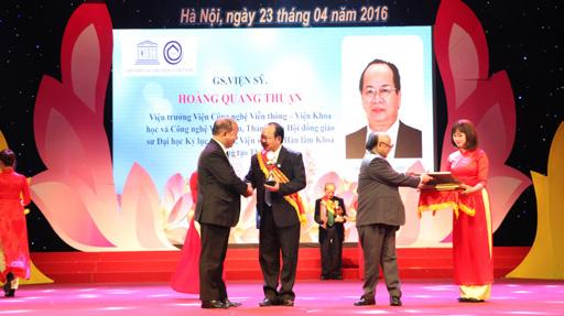 """GS.VS Hoàng Quang Thuận vinh dự được Liên hiệp UNESCO trao tặng danh hiệu """"Nhà Quản lý theo tiêu chí đạo đức toàn cầu - Trí thức Việt Nam sáng tạo và cống hiến"""""""