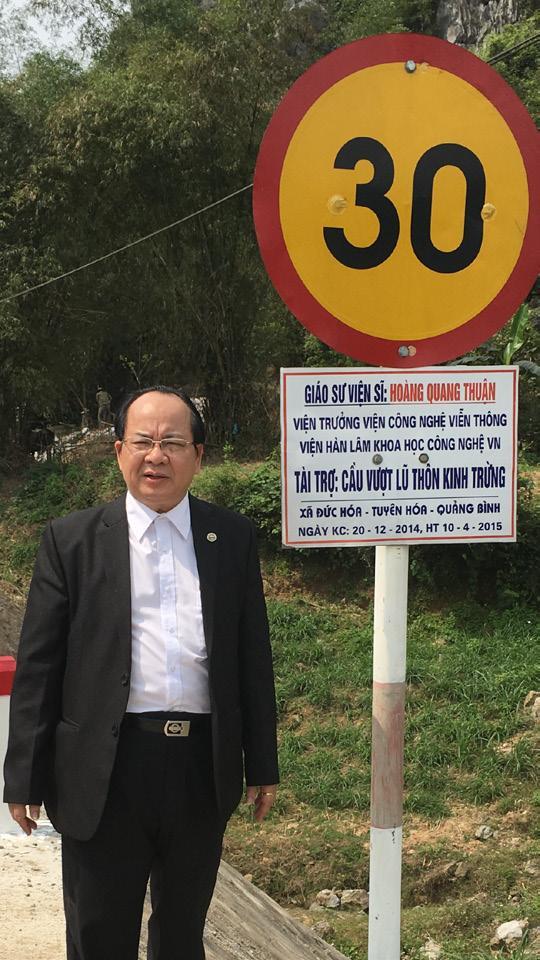 GS.VS Hoàng Quang Thuận tặng cầu vượt lũ cho quê hương ngày 20- 12- 2014