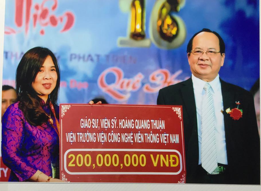 GS.VS Hoàng Quang Thuận tặng 200.000.000 VNĐ cho Trung tâm Nhân đạo Quê Hương ngày 10/12/2017