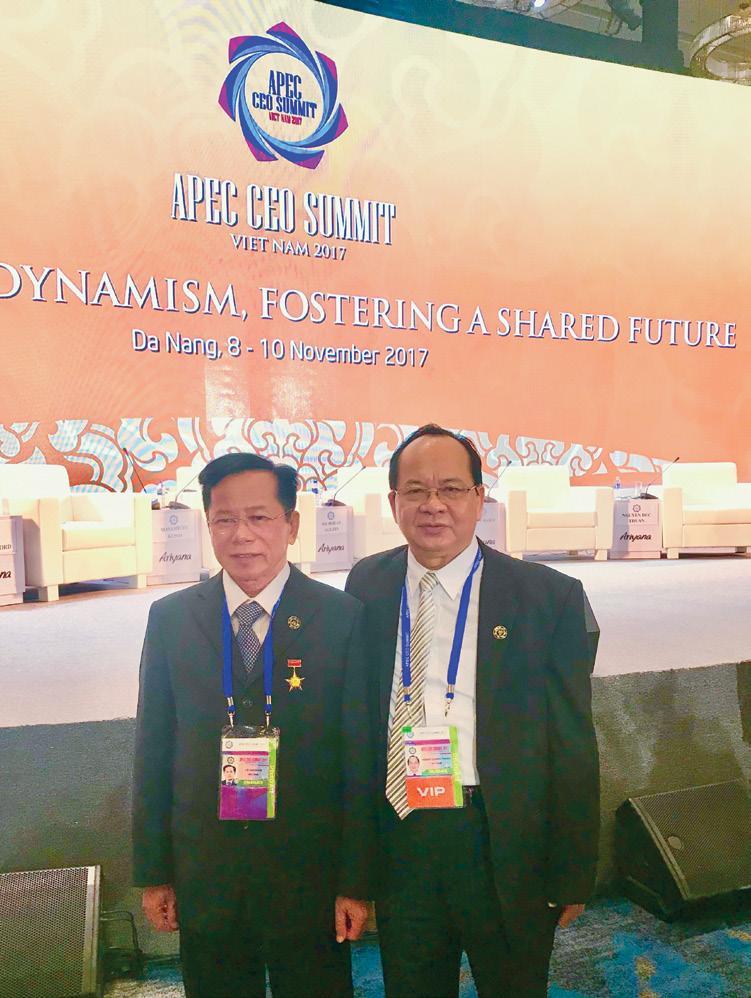 GS.VS Hoàng Quang Thuận và AHLĐ Lê Văn Kiểm tại Hội nghị Thượng đỉnh APEC 2017