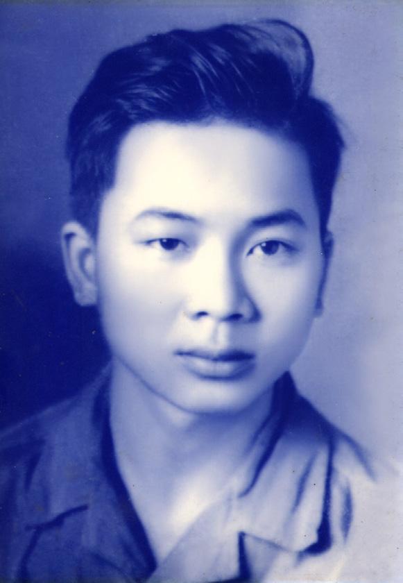 Chàng thanh niên Hoàng Quang Thuận thời quân ngũ năm 1971