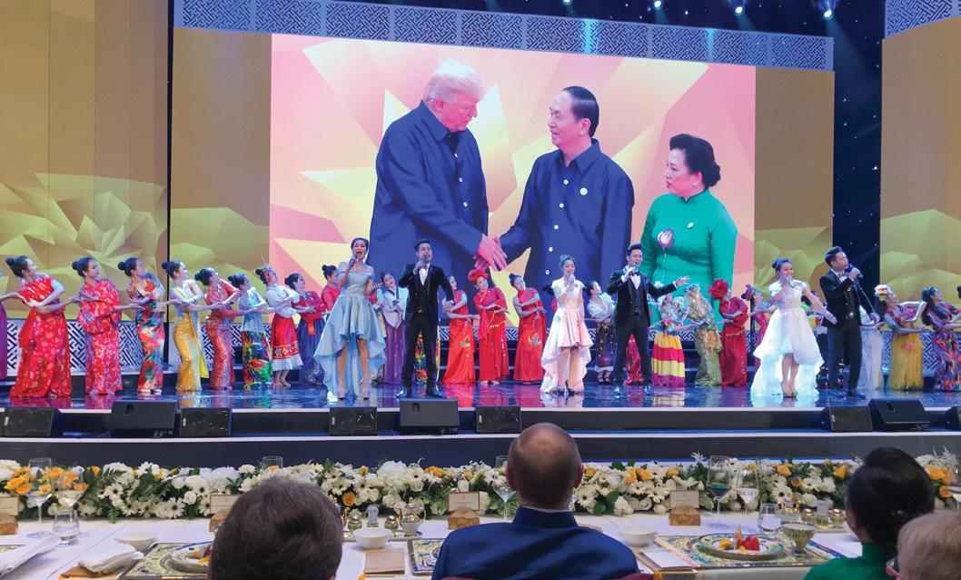 GS.VS Hoàng Quang Thuận tham dự buổi chiêu đãi các Nguyên thủ Quốc gia do Chủ tịch nước Trần Đại Quang và Phu nhân chủ trì tại Hội nghị Thượng đỉnh APEC 2017