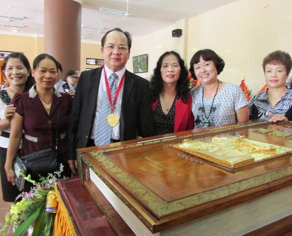 GS.VS Hoàng Quang Thuận và phu nhân Phan Thị Kim Thanh luôn đồng hành cùng nhau trong mọi sự kiện